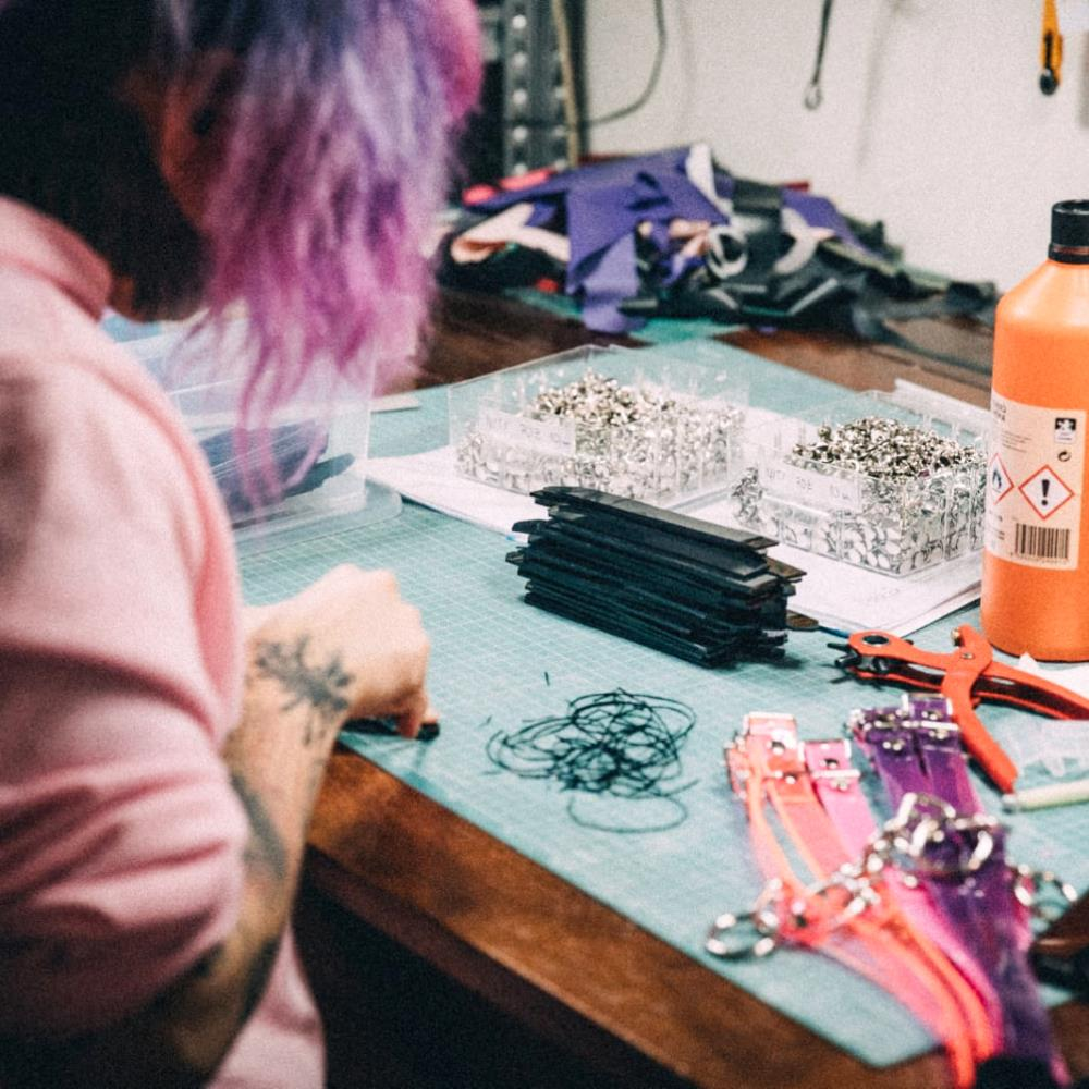 Production of chokers in our workshop