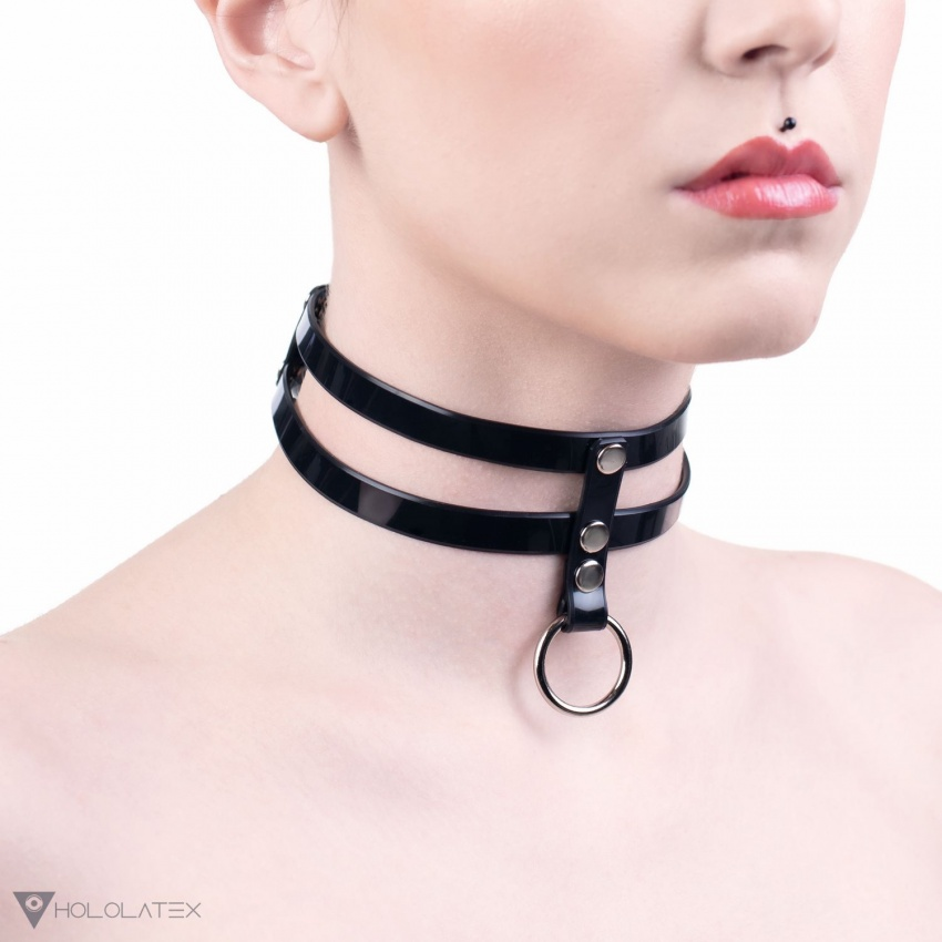 A choker necklace from thin PVC stripes.