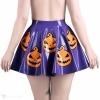 Latexová kolová sukně ve fialové barvě s motivem halloweenských dýní - pohled zezadu.