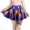 Latexová kolová sukně ve fialové barvě s motivem halloweenských dýní - pohled zepředu.