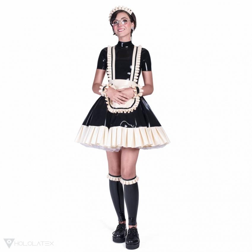 Ein schwarzes Latex Dienstmädchen Kleid mit Accessoires und Kreisrock mit Rüsche. Anblick von vorne.